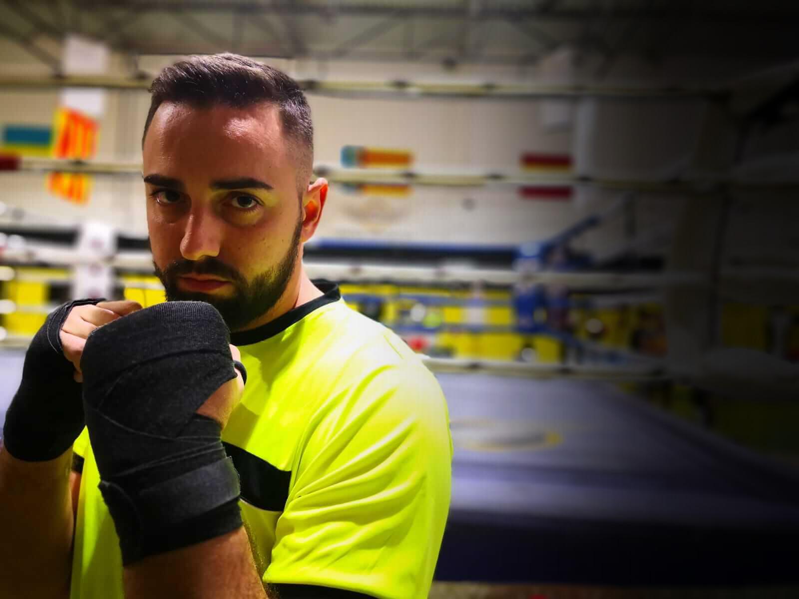 gimnasio con clases de boxeo
